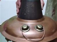 铜火锅,95新纯铜的,买来也就用两三回,用碳的不是用电的,小刀,懂的来
