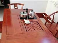 房租合同到期出售99新茶台,五把椅子