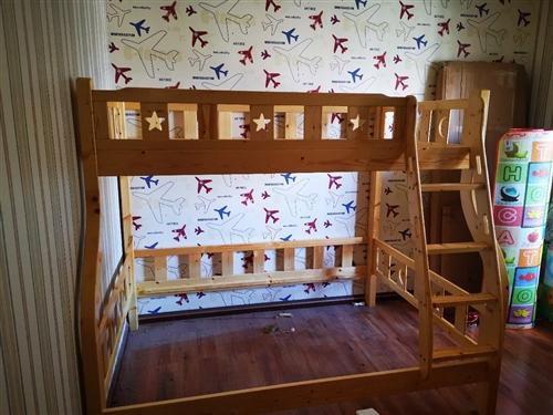 高低床一架,上床宽1.2,下床宽1.5米,因搬家急出手,限两天,价格1000元。须上门自提,也拆卸,...