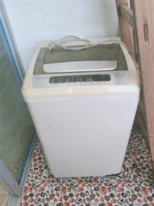 出售洗衣机一台,220自提,外观底部轻微磨损,不影响使用。