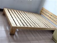 出售简易床三张。