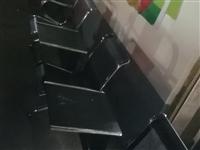 九成新连排坐椅茶几低价转让