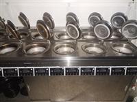 本人因经营不善,将九成新的仅用两三个月的厨房设备,煲仔炉,制冰机。休闲套椅卡座低价出售。有意者电联1...