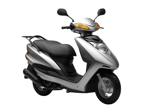 雅品牌:雅马哈 踏板摩托车 新旧:8层新 从买到现在几乎没怎么开,一直在换机油养着,没有改动过...