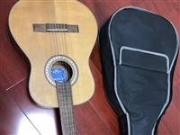 小孩上了两周吉他课就不想去了,吉他便宜处理