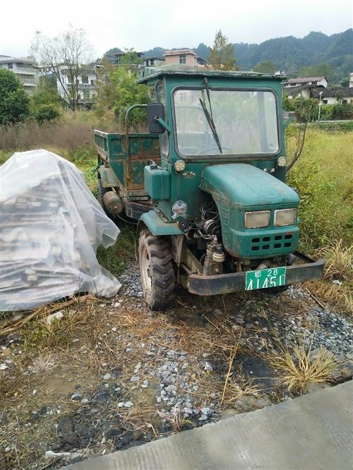 金葛牌拖拉机,保养到位。马力足,电瓶轮胎刚换不久,因个人工作原因出售。联系电话 178151599...