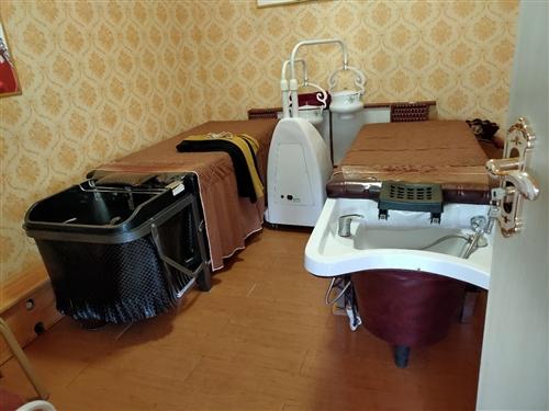 有闲置洗头床两张,低价出售,有意者联系15390582437..价格面议