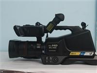 松下专业摄像机,型号图片上都有,机器稳定 闲置 在哪里没有怎么用,高清拍摄此双卡双待 高清视频视频输...