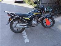 因本人长期不在家,忍痛割爱本田摩托车一部,八成新!价格1800元,有意者联系19955605030 ...