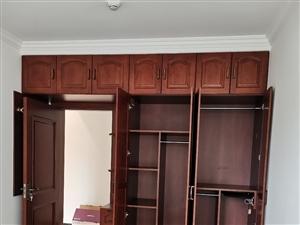專業家裝木工吊頂做衣柜櫥柜處理墻面