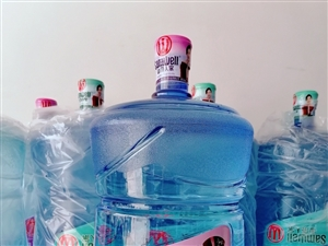 桶装水大桶水纯净水山泉水矿泉水瓶装水泡茶水饮用水