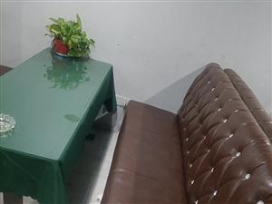 處理5套卡座皮沙發,桌子(含鋼化玻璃,桌布)