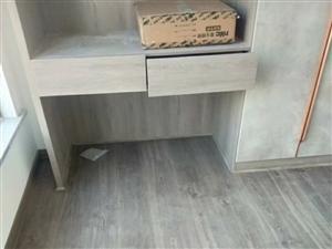 地板安装,维修,更换新地板,辅料