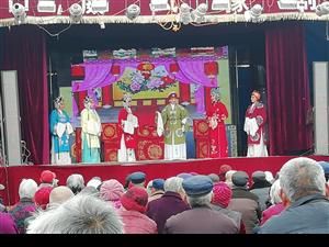 """河南�城:�l村文化""""火""""起��"""