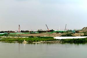 建�O中的�V�h三星湖