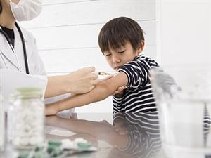 新冠疫苗�o急使用年�g范���U大到3�q以上,未成年人也能接�N
