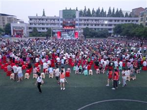 蓬溪某学校晚上的一幕,受到网络7万余人关注