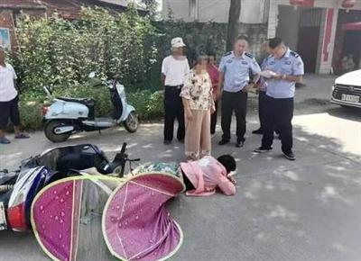 天太热,城固一女子骑车中暑晕倒在地:你们来的太快了