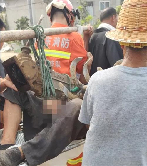 平邑一男子腿部被犁片刺穿,119和120联合救援!