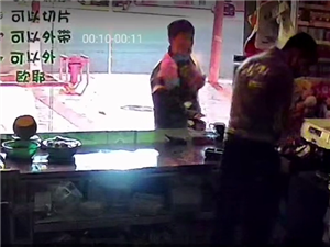【监控】深夜,阜宁一水果店被盗,小偷年龄不大!