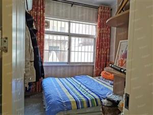 金金龙小区豪装3室1楼送小院80平米附房1间83万