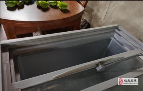 海尔玻璃冷柜低价转手