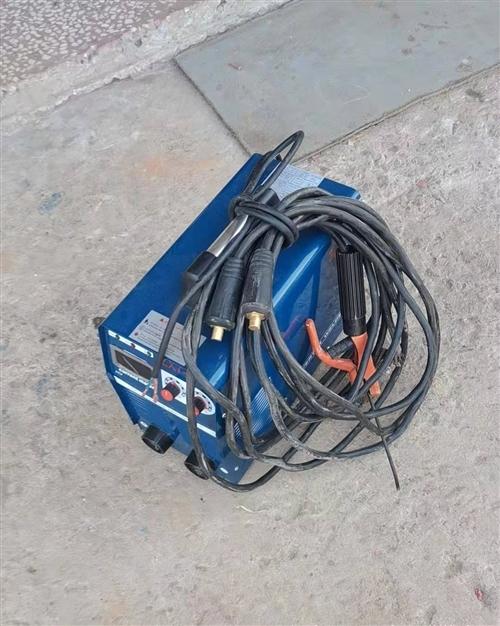 东城电焊机型号315全新一次没有用过