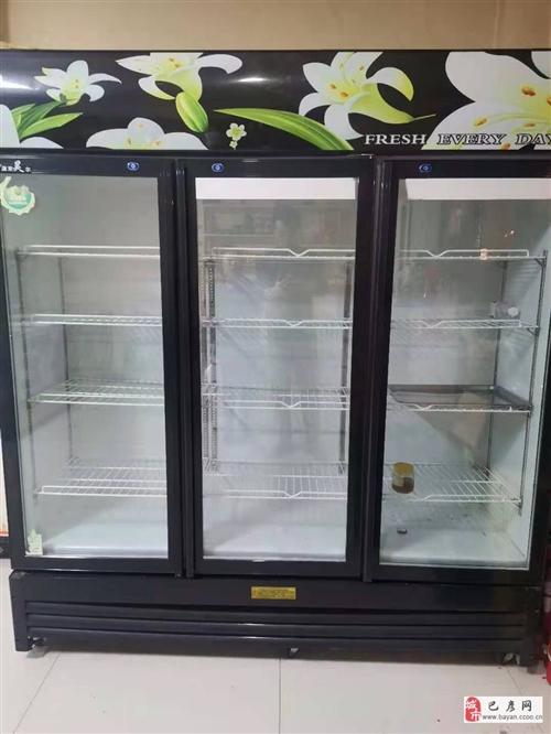 出售二手冰柜展柜八成新,价格优惠