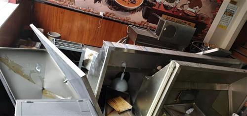 厨房设备转让,有需要的速度联系!