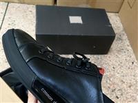 出海瀾之家運動皮鞋99元一雙