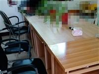 办公卡座10组+办公桌6张便宜出售