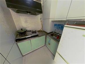 派顿时代广场950元1室0厅1卫精装修,干净整洁,随时入住