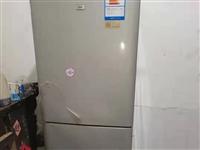 转让一台冰箱,当时2800买的,三门的,正常使用!