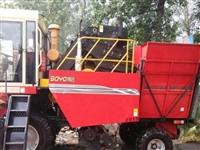 博远牌大型玉米收割机160马力