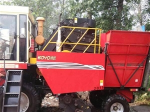 博遠牌大型玉米收割機160馬力