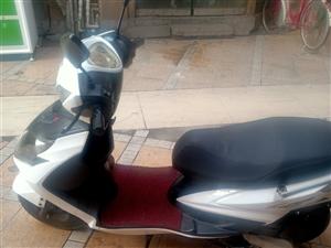 摩托车雅马哈