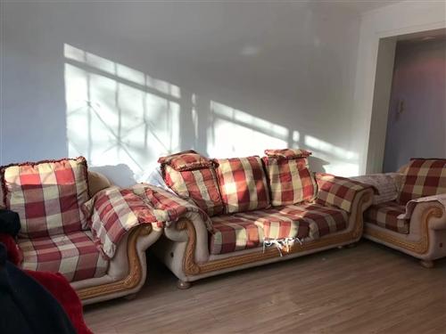 **沙发。大房子或大宾馆,大房产中介,或公司适用。面积130平以上用