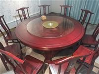 饭店餐桌 够10几个人吃饭  九九新  可到店看桌  一共两张   3000