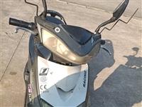 自用电动车  五个电瓶 售价500 充满电跑30公里左右 如果以后想买新车可以以旧换新减500...