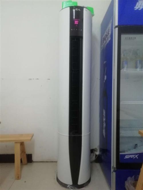 九成新空调、冰箱、冰柜、厨房用品、桌椅、电器等各种九成新的物品,除图上的东西外,还有很东包括桌椅板凳...
