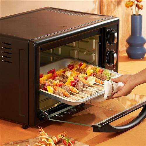 烤箱就用过一次,现用不到,有喜欢的来了转手价300 咨询电话18989236354