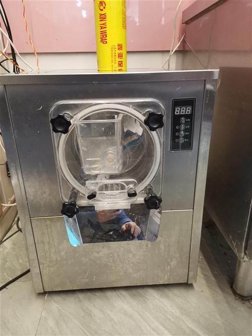 商用硬冰冰激凌機,買時兩千多,現在低價處理