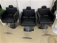 理发椅子出售,价格实惠,面议 叄鱼人家主角形象设计