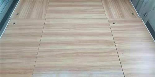 裝修房屋讓木工師傅打的一張實木床,結實,耐用,沒用過,閑置在家,長一米八寬一米六,有想要的電話聯系
