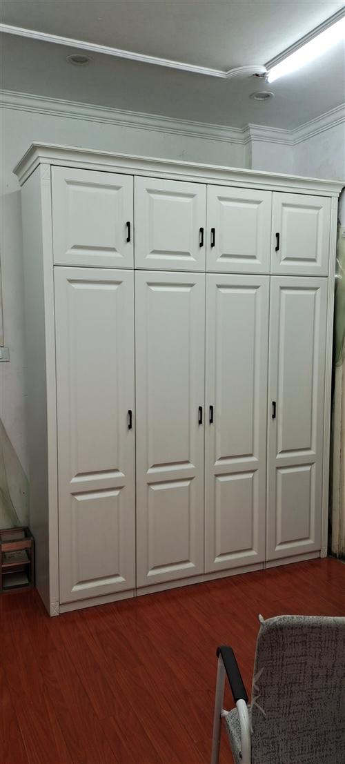 全屋定制家居店樣品處理吸塑門衣柜,2000*2400,原價6800,現3900,