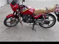 125摩托车一辆,保养的非常仔细,因买车转让,给个废铁钱就行,湖滨镇柳舒村,诚心转让15275436...