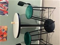 低价转让3套高脚桌椅,价格面议,电话:13450403680