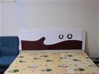 两张1.8米×2米的床8成新,带带床垫,200元张嘉禾锦绣小区,自提。13684588985微信同号
