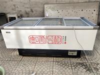 可保鲜可冷冻柜,九成新,尺寸是宽1米,长两米的电话13784309828
