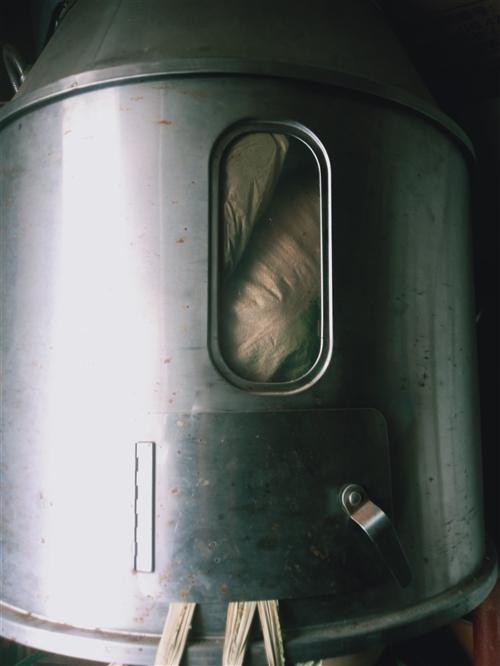 燃气烤鸭炉,焖路,可做脆皮烤鸭。烤鸡,鹅都可以。